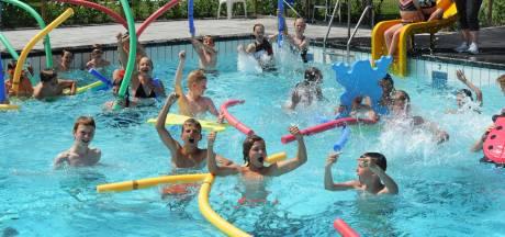 Zwembad Arnemuiden na vijf jaar weer open: Hier hebben we het allemaal voor gedaan