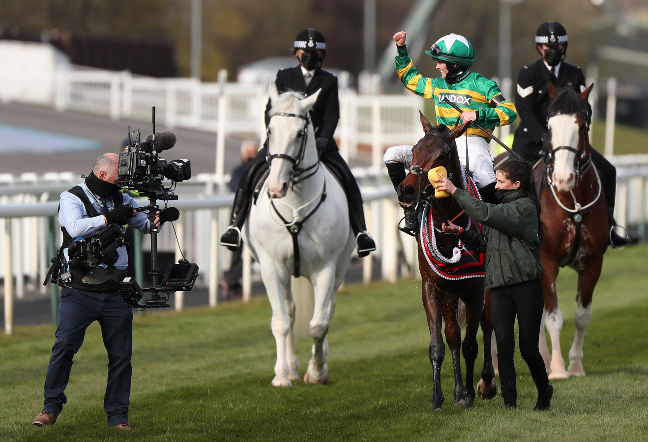 Rachael Blackmore en haar paard Minella Times.