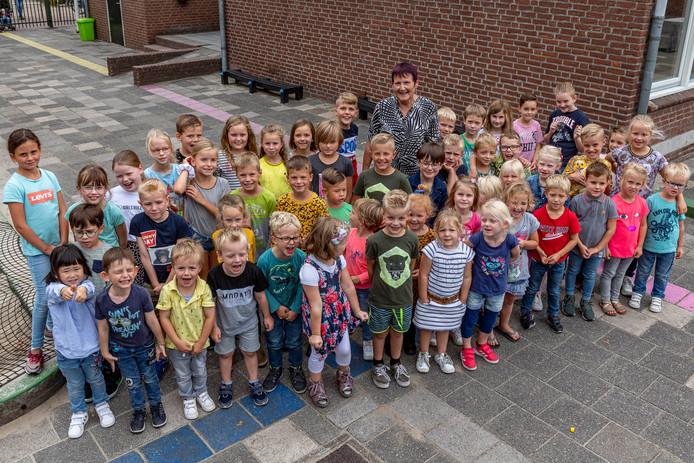 Juf Lia van der Schot staat al 40 jaar voor dezelfde klas in Huijbergen