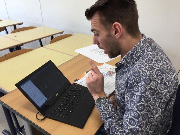 Roel Wittenberg geeft 'gewoon' Duitse les op het Fioretti in Veghel
