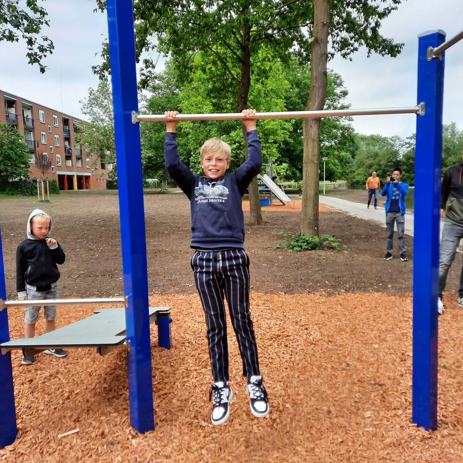 Kinderburgemeester Samuël Heule opende het nieuwe stadspark in de Haarwijk.
