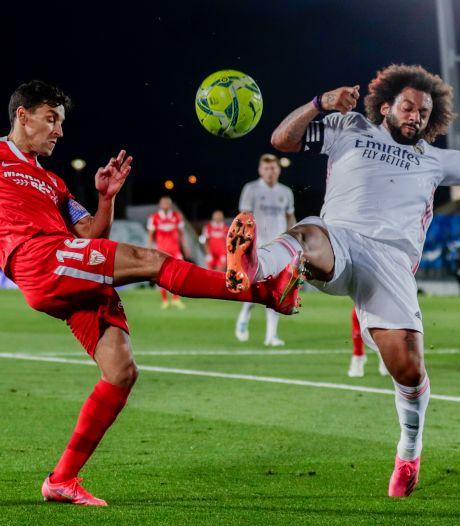 Zinderende titelstrijd Spanje: Koeman en Barcelona zien ook Real Madrid punten morsen na VAR-chaos