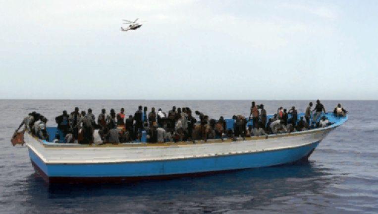 Archiefbeeld van een latere onderschepping van een vluchtelingenboot uit Libië. Beeld EPA