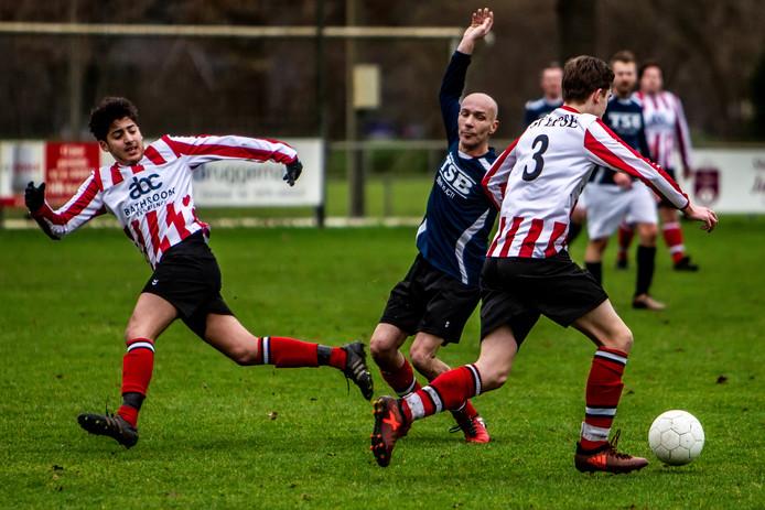 Eerder dit jaar streden voormalig spelers uit het eerste elftal van Epse tegen de nieuwe garde.