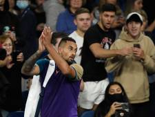 Vlak voor nieuwe lockdown zien extatische Aussies idool Kyrgios na heerlijke clash sneuvelen