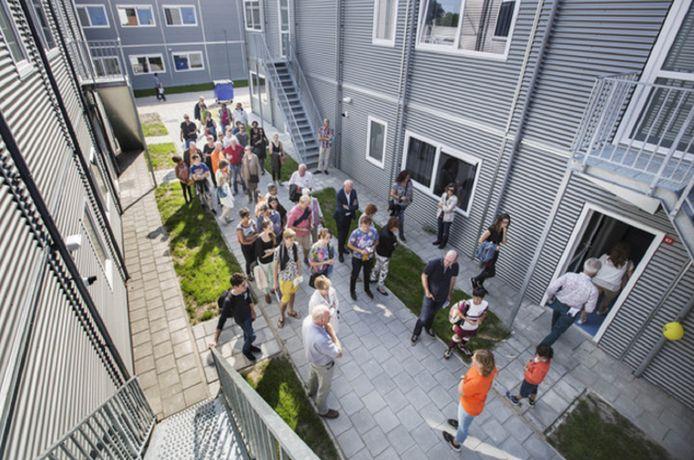 Open dag in het vijf jaar geleden geopende azc in Rijswijk waarmee het COA belangstellenden wilde laten kennismaken met een asielzoekerscentrum waartegen in eerste instantie veel weerstand was.
