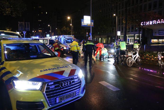 Hulpverleners op de plek van het ongeluk.