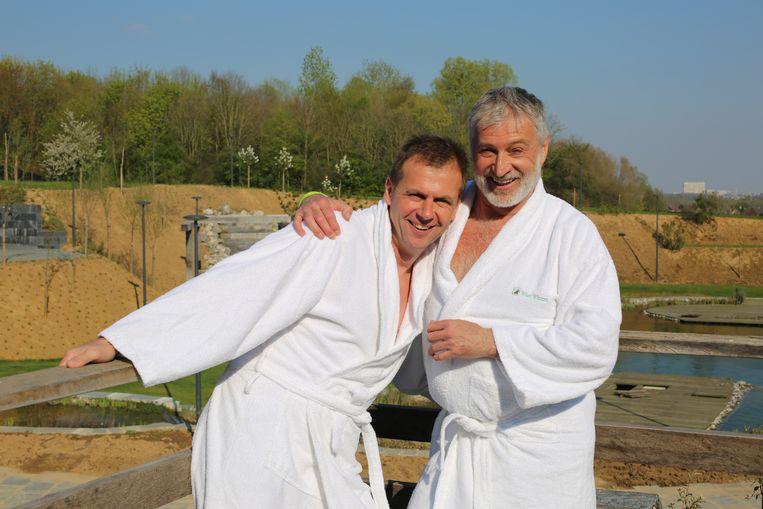 Danny Van Lathem (rechts) en Jurgen Van Bellingen trekken in september naar Nederland voor het WK saunaopgieten.