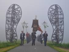 Dauwtrappen in de dichte mist in Waspik