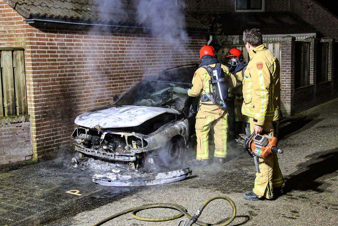 De autobrand aan het Baroniehof in Helmond.