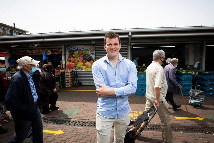 Elias  van Hees op de multiculturele Haagse markt: ,,De meeste mensen willen gewoon een beter leven voor hun kinderen.''