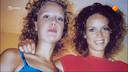Hilde Bleijswijk en haar zusje Femke (links).