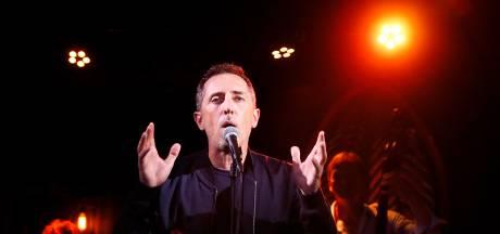 Gad Elmaleh reporte encore la tournée de son nouveau spectacle