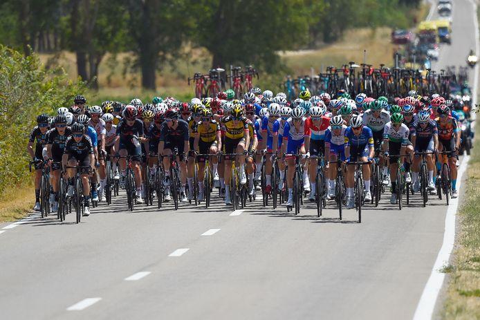Het peloton tijdens de tweede etappe van de Vuelta.