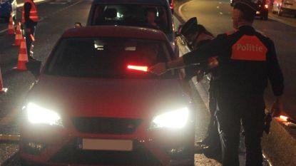 Dronkenlap slaat op de vlucht bij alcoholcontrole aan Leopoldplein