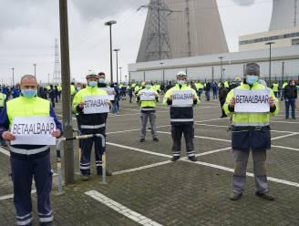"""Personeel kerncentrale Doel voert actie tegen kernuitstap: """"7.000 banen zijn in gevaar"""""""