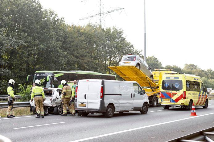 Ongeluk met drie voertuigen op A73 bij Cuijk