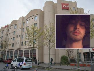 """Hotelgast stort te pletter tijdens vlucht voor politie: """"Damian telde af naar de versoepeling van de maatregelen"""""""