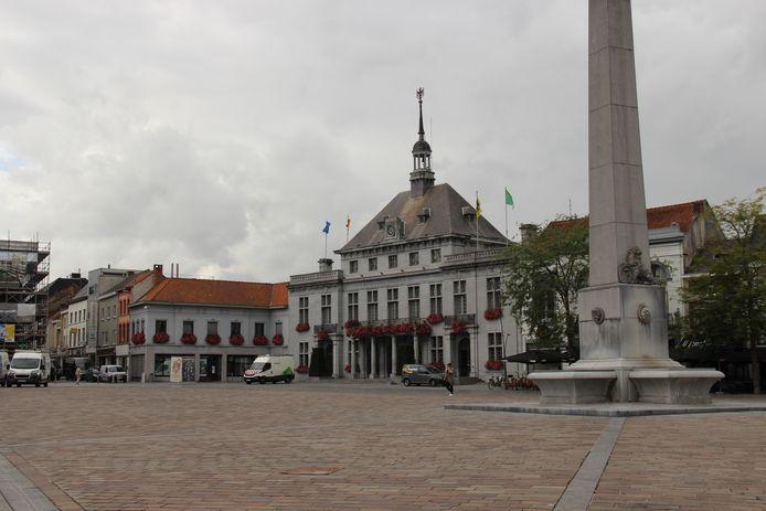 Stadhuis Ronse.