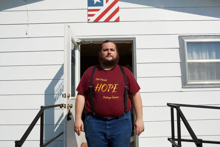 Joe Hirsch is leraar en gids in het dorpsmuseum. Hij kwam vier jaar geleden naar Hope, zijn twee kinderen zijn er geboren. Beeld Sergio Avellaneda