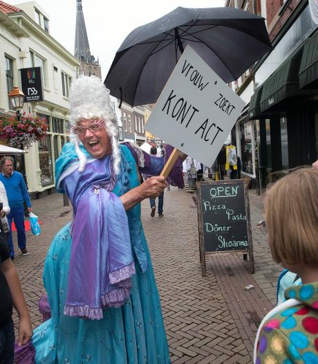 Regen zorgt voor lege kramen Doesburg Binnenste Buiten