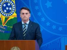 Bolsonaro is sociale distantie zat en ontslaat minister van Gezondheid