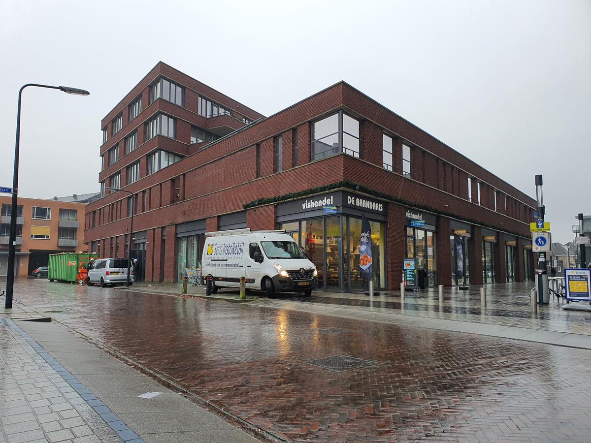 De verbouwing in de supermarkt is in volle gang. Op 9 december kunnen klanten weer bij deze Jumbo terecht. Dan is ook de overlast voor de huurders van de bovengelegen appartementen voorbij.