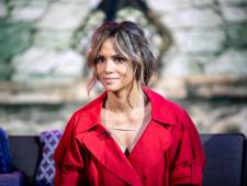 """Halle Berry, 54 ans, pose en bikini et épate la toile: """"Tu es divine"""""""