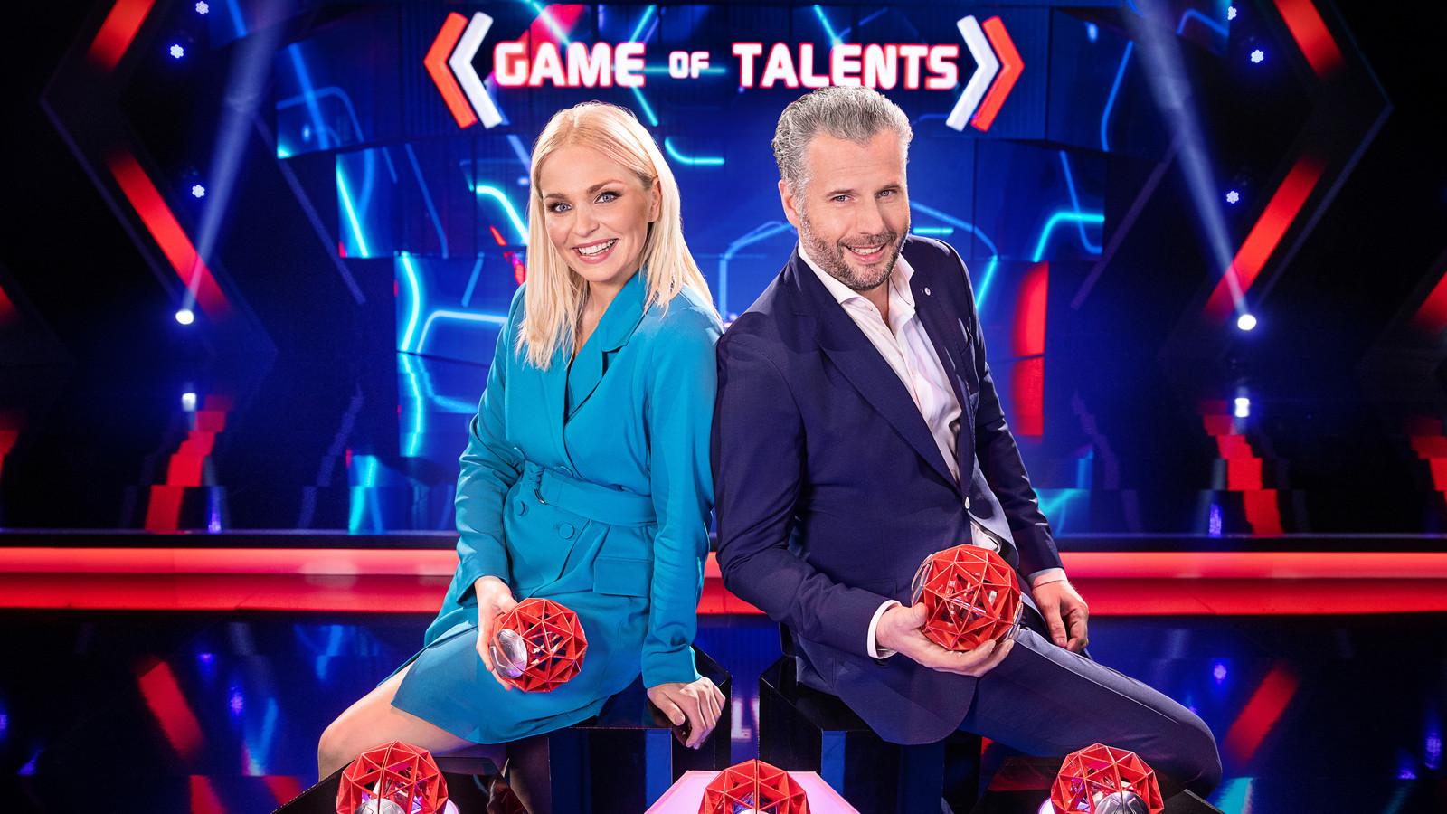 Tijl Beckand & Julie Van den Steen in Game of Talents