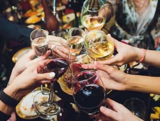 Test meet hoeveelheid alcohol via huid van de oren