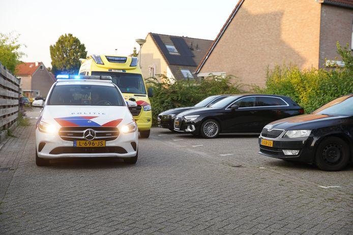 Bij een steekpartij aan de Rolklaver in Deventer zijn twee buurmannen gewond geraakt en aangehouden.