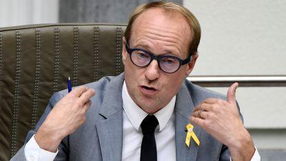 Weyts stuurt inspecteurs naar kippenbedrijf in Wingene, Lidl stopt samenwerking
