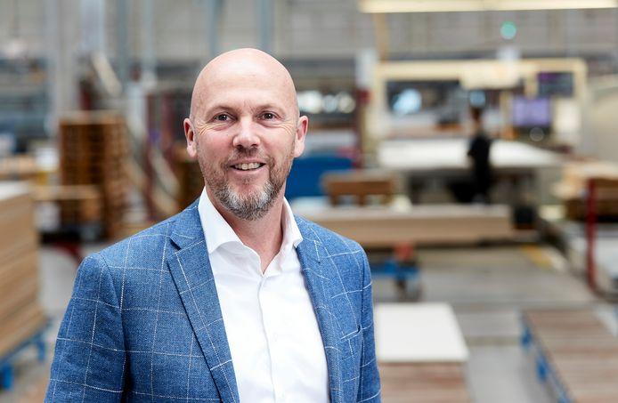 CEO Anton Sanders van DKG, waarin Bruynzeel Keukens is opgegaan.