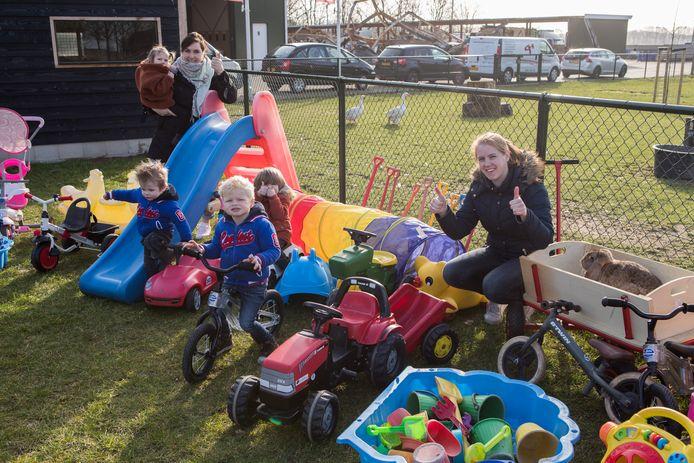 Kinderdagverblijf Fontana in Laag Zuthem is dolblij met de nieuwe spullen die ze hebben gekregen.