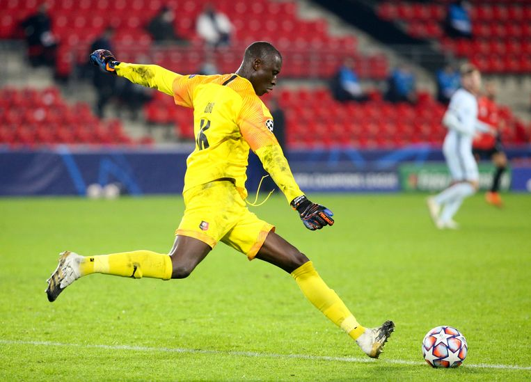 Alfred Gomis is de doelman van Stade Rennais. Beeld Photo News