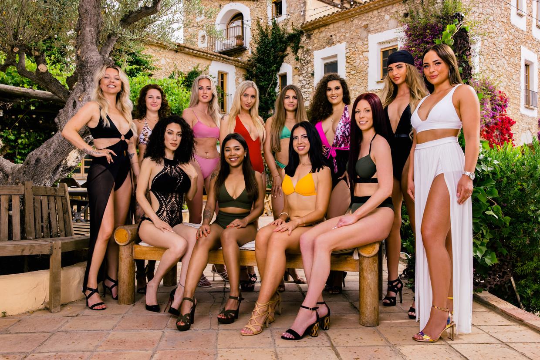 De vrijgezelle vrouwen in 'Temptation Island: Love or Leave'. Beeld RV