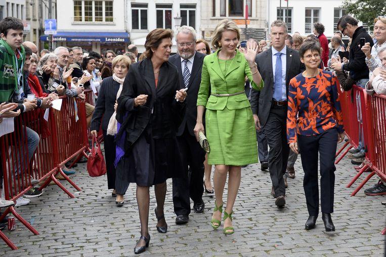 Koningin Mathilde, met Hilde Kieboom, voorzitter van Egidius, Marc Van Peel en gouverneur Cathy Berx.