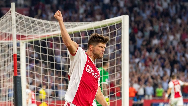 Huntelaar viert zijn doelpunt in de Champions League Beeld Pro Shots