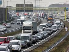 A2: extra bruggen over Maas en Waal, max 100 rond Den Bosch