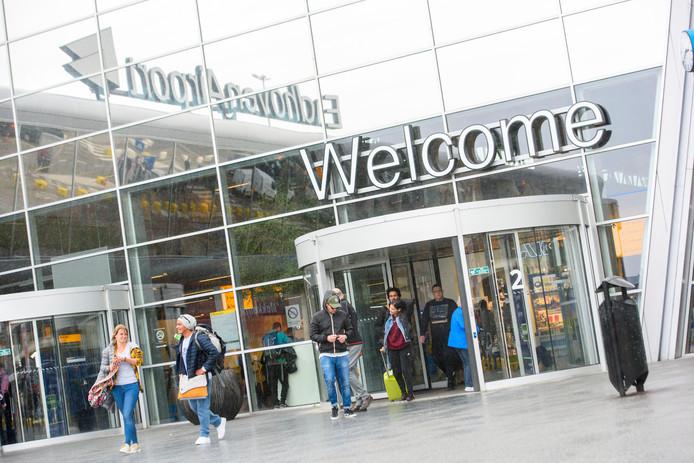 Op Eindhoven Airport is parkeren nu duurder dan bij Schiphol