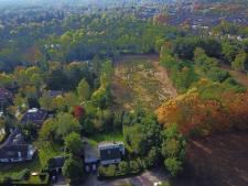 Achtertuin van Pieter van den Hoogenband's villa in Waalre verwoest