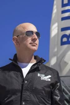 Ruimtereis met Amazon-oprichter Bezos verkocht voor 28 miljoen dollar