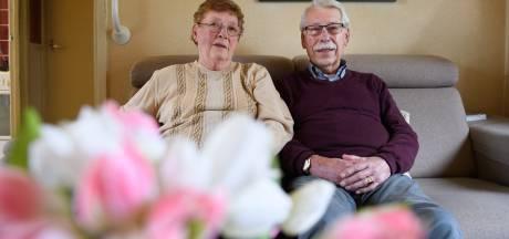 60 jaar getrouwd in Enschede: 'Geven en nemen, zo blijft 't vonken'
