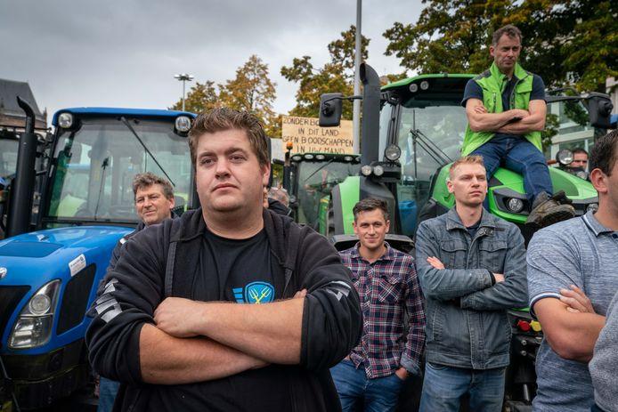 Boeren uit Gelderland voor het provinciehuis in Arnhem, maandag.