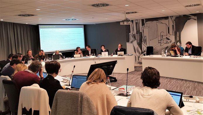 Op de gemeenteraad van Ieper vond tijdens een marathonzitting het debat plaats tussen meerderheid en oppositie over het meerjarenplan 2020-2025.
