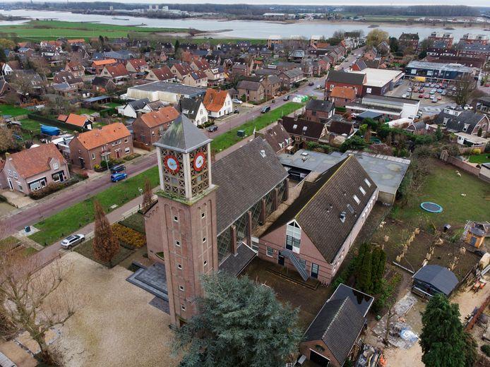 In Neder-Betuwe, waar Ochten onderdeel van is, moet de keuze voor een lokale omroep nog altijd gemaakt.