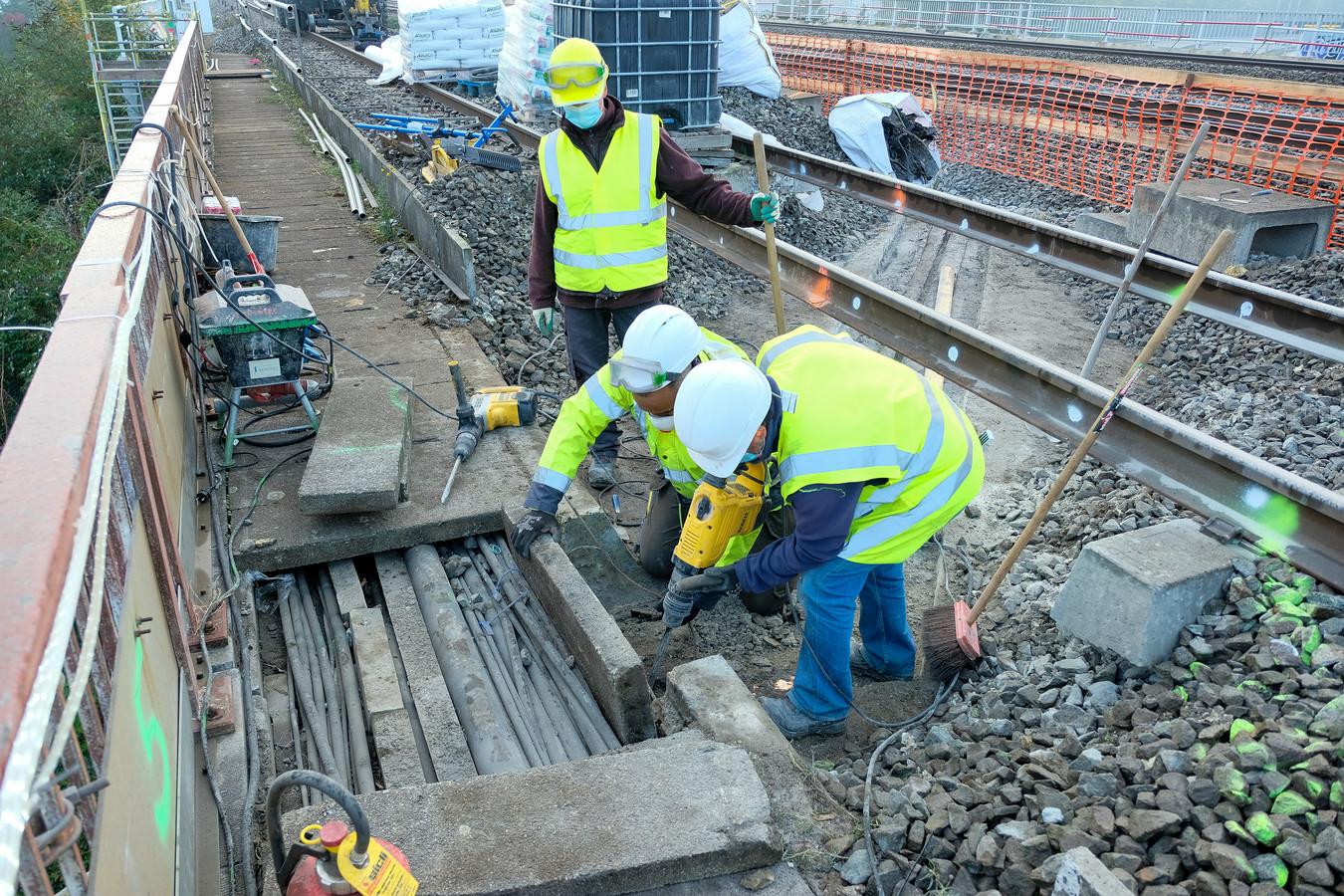 Start van de werken aan de spoorbrug in Zaventem over de Brusselse Ring