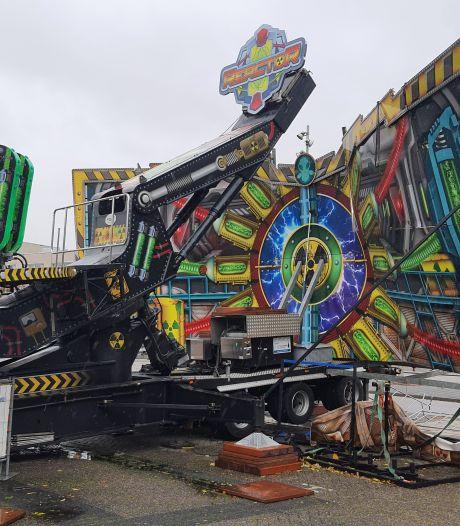 Grote attractie op Bredase kermis ingestort door noodweer: 'Tegen zoveel natuurgeweld is niets bestand'
