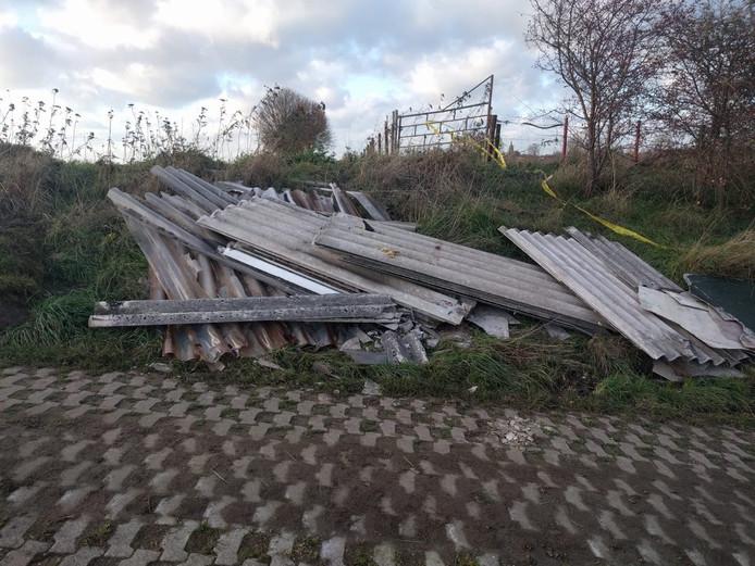 Asbest gevonden in buitengebied Macharen.