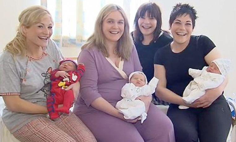 3 zussen bevallen op dezelfde dag